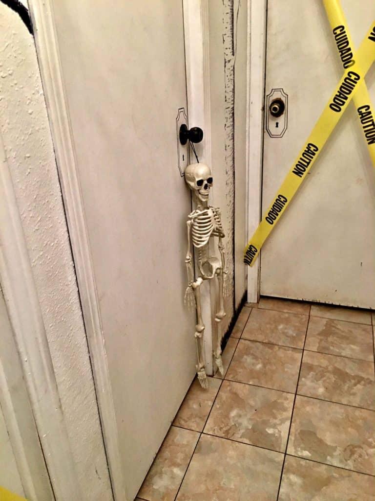 haunted-halloween-hallway-3