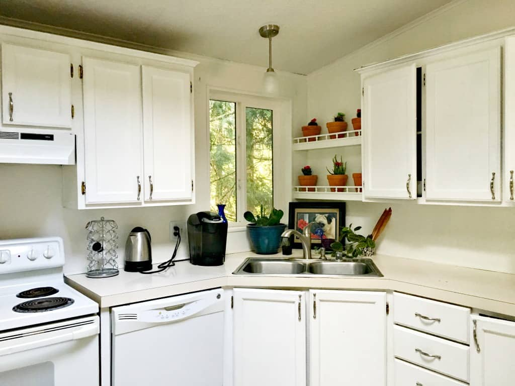 The best way to clean your kitchen cabinets with homemade for Best way to wash kitchen cabinets