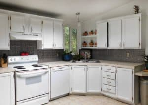 how to add a faux backsplash to your kitchen