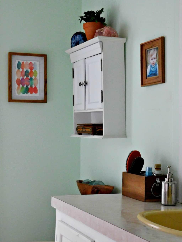 Summertime bathroom refresh update your bathroom decor for Summer bathroom decor