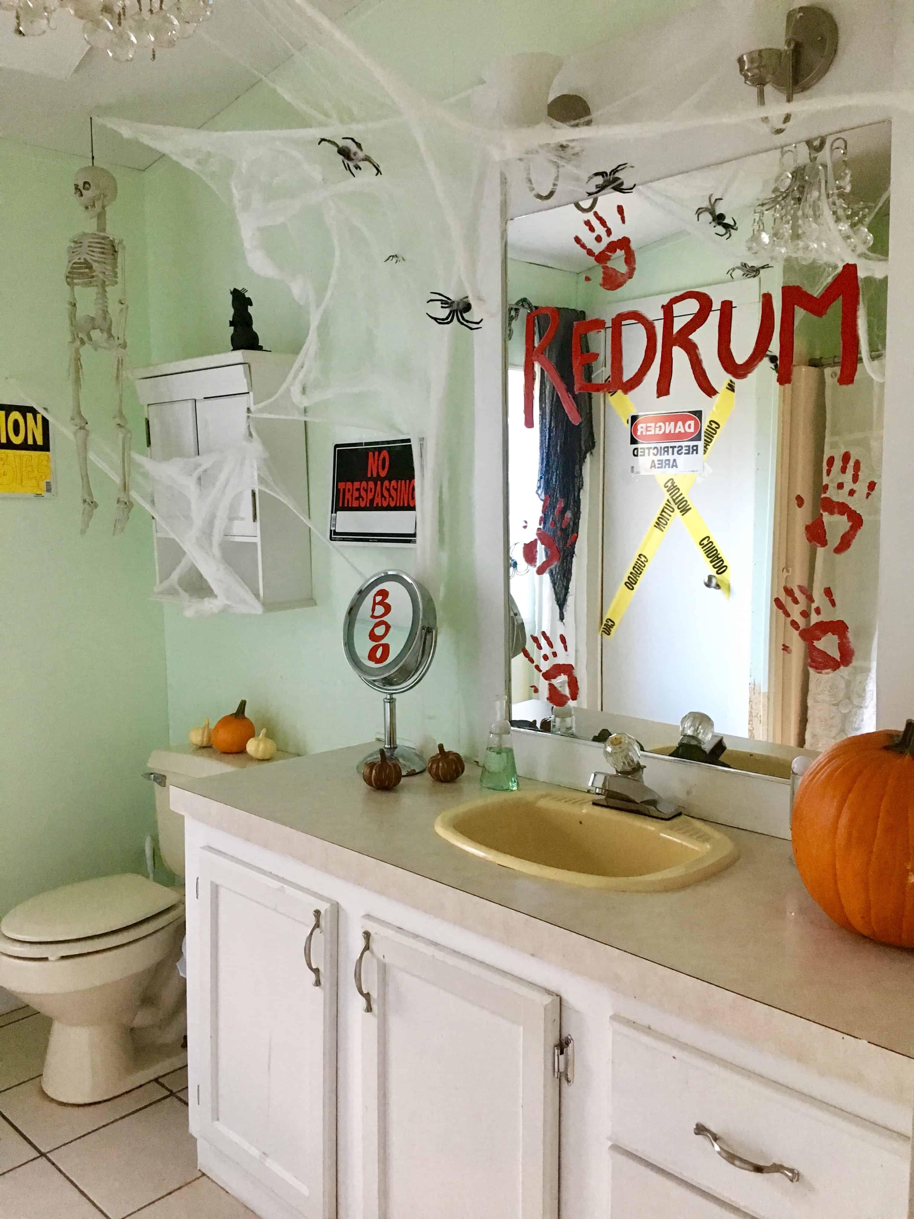 Halloween Bathroom Decor - Crafty Little Gnome