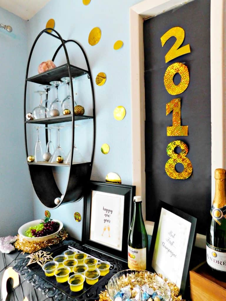 New years eve party inspiration. Party planning, decorations.