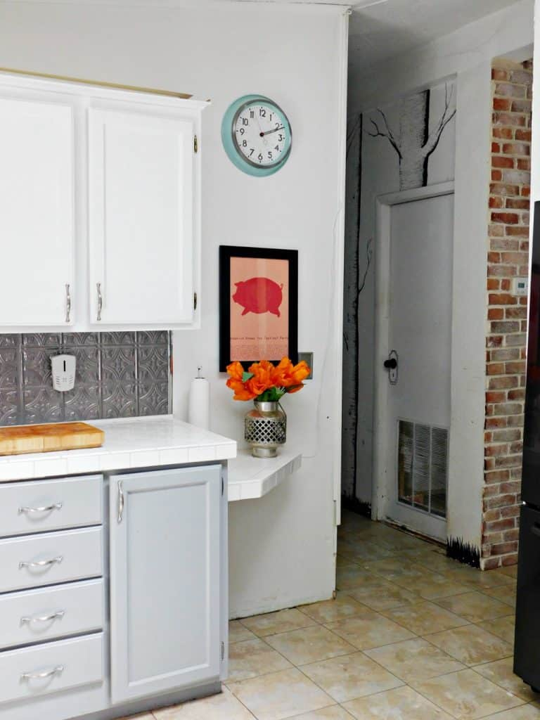 farmhouse kitchen with pig art