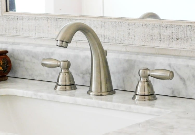 Install A Bathroom Faucet. Remove And Replace Sink Faucet