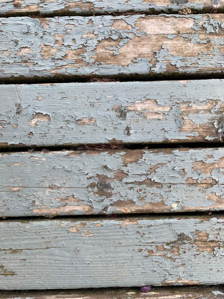 deck wood with peeling paint